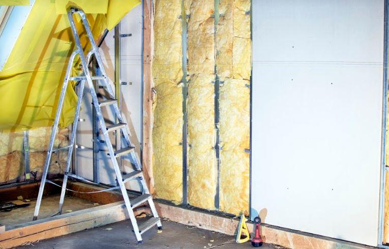 Isoler les murs de l'intérieur : pourquoi et comment procéder ?